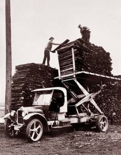 sissors lift for stacking lumber