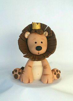 King of the Jungle fondant Lion cake topper