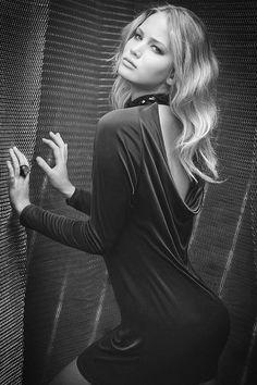 Jennifer Lawrence So Hot & Sexy. Katniss Everdeen, Jennfer Lawrence, Hollywood Actresses, Actors & Actresses, The Hunger Games, Beauté Blonde, Jennifer Lawrence Pics, Femmes Les Plus Sexy, Photo Portrait