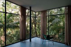 House of the Day: Glass House by Lina Bo Bardi | Journal | The Modern House