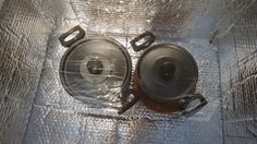 Line the oven with a reflective material. Solar Oven Diy, Diy Solar, Solar Stove, Homemade Solar Panels