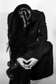 watarushimosato:  http://contributormagazine.com/fashion-story-crow-castle/