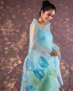 Cotton Saree Designs, Silk Saree Blouse Designs, Saree Blouse Patterns, Dress Patterns, Beautiful Saree, Beautiful Dresses, Saree Painting Designs, Sarees For Girls, Organza Saree