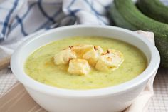 Die Zucchini-Suppe mit Möhren ist ein äusserst gesundes Rezept und schmeckt gross und klein.