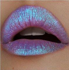 Modernes Lippen-Make-up mit Konturen, Tricks und Tipps - Makeup Products Lipstick Eyebrows, Eyeliner, Lip Gloss Colors, Lip Colors, Makeup Tricks, Makeup Ideas, Makeup Tutorials, Morphe, Concealer