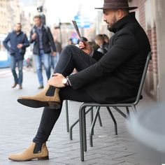 men's boots pointed toe suede leather chelsea boots slip on men's boots rubber sole booties Chelsea Boots Outfit, Beige Chelsea Boots, Chelsea Boots Damen, Leather Chelsea Boots, Suede Leather, Smart Casual, Casual Chic, Mens Onesie, Mens Running Tights