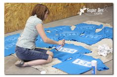 Sugar Bee Crafts: sewing, recipes, crafts, photo tips, and more!: Spraypaint a Shirt - cub scout tshirts