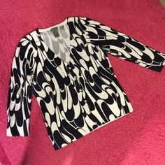 BOGO FREEAnn Taylor size XS Quarter length Literally super new :) quarter length sleeves-quality thick fabric. Freshly washed! Ann Taylor Sweaters Cardigans