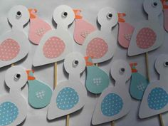 ooievaar Baby Shower Cards, Baby Shower Parties, Baby Boy Shower, Little Presents, Baby Presents, Foam Crafts, Diy And Crafts, Kids Birthday Treats, Crochet Baby Toys