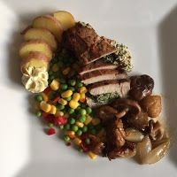 Smaakvol zonder zout: Kerst 2017 - Varkensoester met winterse groenten. Nigella, Chicken, Ethnic Recipes, Food, Meals, Yemek, Buffalo Chicken, Eten, Rooster
