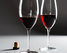 Port Primer - Portugal's fortified red wine is a perfect wintry sipper, full of gorgeous dark fruit, spice and even chocolate-like flavors. Here's what you need to know the next time you're handed that digestif list. Wine Facts, Wine Education, Sweet Wine, Port Wine, California Wine, In Vino Veritas, Wine Time, Wine Making, Wine Country