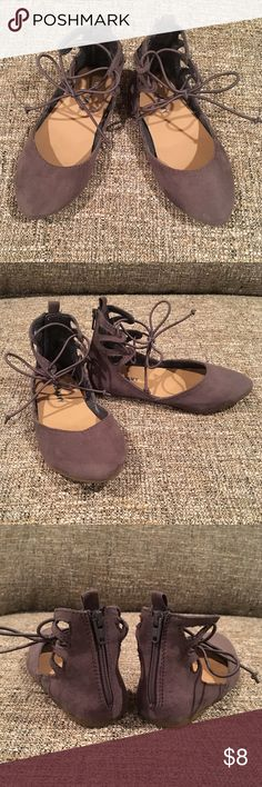 Little Girls Lace-up Ballet Flats Great condition. Worn once outside.  Color is a mix of dark gray with taupe. Beautiful for fall! Old Navy Shoes