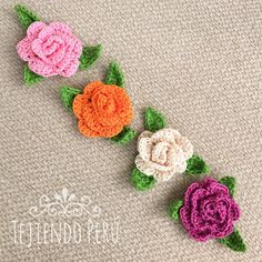 Nos encantan las rosas ! En este mini video tutorial aprenderán a tejer estas rosas enrolladas en 3D a crochet! This video includes English subtitles: crochet 3D rollos roses. ༺✿Teresa Restegui http://www.pinterest.com/teretegui/✿༻ PINEAR