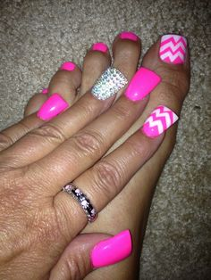 Chevron nails and toes
