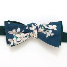 Apple Blossom & Forest Reversible Classic Bow