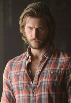 Greyston Holt (Clay Danvers) Brilliant, explosive, passionate and violent. Clayton was a feral werewolf smexy Bitten Tv Show, Burning Love, Raining Men, Male Face, Man Crush, Gorgeous Men, Beautiful People, Book Series, Favorite Tv Shows