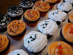 neat halloween cupcakes idea!
