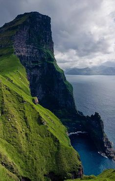 Faroe Islands. In the 9th century Norse settlers came to the Faroe Islands. These were mainly farmers who fled from Norway and ended up in the Faroe Islands in search of new land. The special constitutional status of the islands was originally founded on the ancient Viking tradition from the 9th century AD (all free men convened at the Althing, later called Løgting, in the capital Tórshavn).