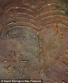 70 livros de metal encontrados em caverna na Jordânia pode mudar a nossa visão da história bíblica e do Apocalipse