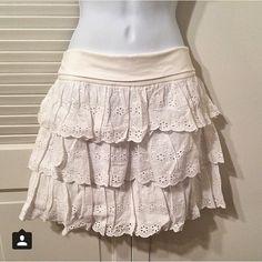 Express white ruffle layered cotton skirt Express white ruffle layered cotton skirt, with stretchy waist. 100% cotton skirt, waistband 95% cotton/ 5% spandex. Size M. NWT! Originally $59.90. Express Skirts