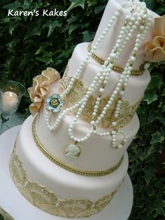 pearls vintage cameo wedding cake