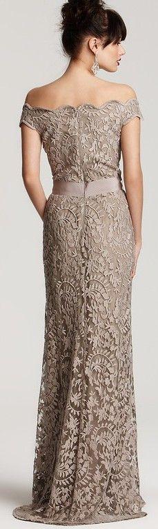 This dress looks very beautiful <3