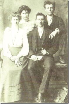 Robert Irwin and Susie Daniels married on March 12, 1902 in Toronto, Ontario, Canada.