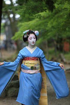 芸妓さんと舞妓さんのブログ (June 2015: maiko Mamefuji of Gion Kobu)