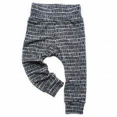 Appear like a superstar for each time with the young one & Little girl leggings, great designs, looks as well as colors. Little Girl Leggings, Toddler Leggings, Toddler Pants, Baby Leggings, Grey Pants Outfit, Leggings Outfit Summer, Black And White Leggings, Striped Leggings, Toddler Boy Fashion