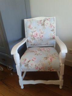 oud stoeltje weer als nieuw gemaakt! geverfd en bekleed. *Handmade by Henja*