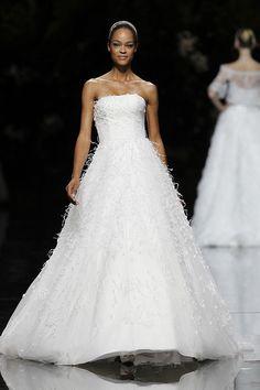 Vestido de novia. #Bodas UCIFA - Pronovias 2013 Bridal Collection, via Flickr.