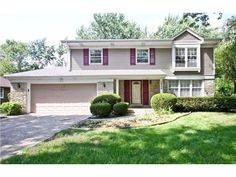 2948 Stonegate Lane, Northbrook, IL 60062 — Wonderful opportunity to own a spacious 4 bedroom Colonial in Northbrook's desirable school district 27. Sparkling clean with fresh paint and refinished hardwood floors throughout. Owner has completely remodeled the kitchen with new cabinets, counters and tile floor. You'll love the fireplace in the family room and backyard BBQ on the large patio in back. All this and a massive rec room and storage room in basement!