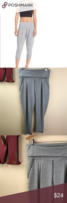 ZELLA Breeze Harem Capri Yoga Workout Pants Made exclusively for Nordstrom by a former Lululemon product manager, Zella Activewear is one of my favorite brands.  Excellent preowned condition. Zella Pants Leggings