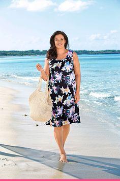 Strandkjole med blomstermønster for store størrelser Tankini, Summer Dresses, Casual, Fashion, Moda, Summer Sundresses, Fashion Styles, Fashion Illustrations, Summer Clothing