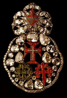 Royal Jewels of the World Message Board: Portuguese Crown Jewels: the Sash of the Three Orders and others Orders - updated! Cameo Jewelry, I Love Jewelry, Antique Jewelry, Vintage Jewelry, Portugal, Royal Jewels, Crown Jewels, Coat Of Arms, Portuguese