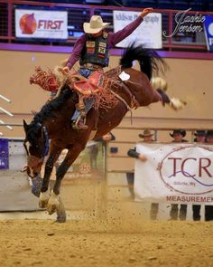 Rodeo Cowboys, Real Cowboys, Cowboy Photography, Rodeo Events, Rodeo Time, Marlboro Man, Rodeo Queen, Bull Riders, Cowboy And Cowgirl