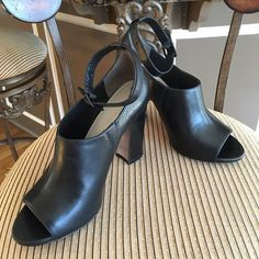 """Heels shoes Very good! Light scuffing at soles, faint surface scratched. Heels 4"""" Pour la Victoire Shoes Heels"""