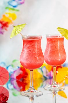 Fruity Mixed Drinks, Mixed Drinks Alcohol, Fruity Cocktails, Rum Recipes, Drinks Alcohol Recipes, Alcoholic Drinks, Punch Recipes, Beverages, Raspberry Cocktail