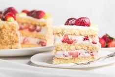 Mascarponés-epres torta - Recept   Femina Krispie Treats, Rice Krispies, Vanilla Cake, Mint, Cookies, Juice, Food, Vanilla Sponge Cake, Biscuits