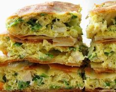 My number 1 favourite snack to have. Indonesian pancake with vegetables inside. it's called MARTABAK TELOR Tapas, Dutch Recipes, Asian Recipes, Suriname Food, Indonesian Cuisine, Indonesian Recipes, Asian Kitchen, Good Food, Yummy Food