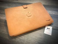 NATURAL Macbook 15  leather case. H leather genuine italian vegetable tanned made in Tuscany by Nicola Meyer. Customized with engraved name and 3D Apple logo https://ift.tt/2rHQpVq #macbook #macbookpro #macbookcase #macbookcasemurah #macbookcases #macbookcaseseller #macbookleathercase #maccase #applecase #macbookair #casemacbook #jualcasemacbook #casemacbookpro #casemacbookmurah #jualcasemacbookpro #jualcasemacbookmurah #macbookcasereadystock #macbookproretina #macbookproforsale…