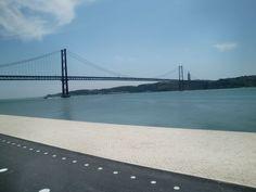 Rio Tejo - Navegue pelo maior rio de Portugal. - Mega Roteiros. Dicas dos melhores destinos do mundo O Rio Tejo é o maior de Portugal e um dos mais extensos da península ibérica. Foi dele, no trecho que banha a cidade de Lisboa, de onde partiram as caravelas dos grandes descobrimentos. Uma das formas de você aproveitar para contemplar o rio é caminhando pelas suas margens ou também fazendo uma p...  Leia mais em: http://megaroteiros.com.br/rio-tejo-navegue-pelo-maior