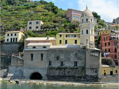 Travel with Stephani Chance - If you want to really see Italy like a local, then you must hop aboard with Stephani Chance, owner of Decorate Ornate and Italy Tours!  www.DecorateOrnate.com  Stephani takes 2 FUN groups of Americans to Italy twice a year! Visit us here on Pinterest and Facebook and the website!  Stephani's NEW book will be out SOON!