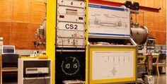 Die Atomuhr in Braunschweig misst die Zeit mit maximal 12 Miliardstelsekunden Abweichung pro Jahr. Technik machts möglich. Make It Happen