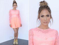 Jennifer Lopez In ASOS - 'American Idol Season Top 4 Live Performance Show - Red Carpet Fashion Awards Celebrity Dresses, Celebrity Style, Jennifer Lopez Red Carpet, Red Gowns, Red Carpet Looks, Classy Women, Red Carpet Fashion, Beautiful Celebrities, Pretty Outfits