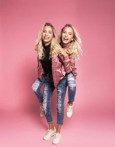 Lisa and Lena (beautiful twins) Lisa E Lena, Pretty People, Beautiful People, Famous Twins, Mein Style, Best Friend Pictures, Best Friend Goals, Tumblr Girls, Girl Power