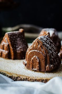 Gingerbread bundt cake with brandy soaked figs. The perfect winter dessert Healthy Cake Recipes, Sweets Recipes, Cupcake Recipes, Baking Recipes, Holiday Baking, Christmas Baking, Holiday Recipes, Winter Recipes, Christmas Recipes