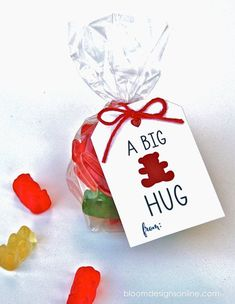 BEAR HUG Valentines Tag and Topper by BloomDesignsOnline on Etsy Bear Valentines, Valentines Day Treats, Valentines For Kids, Valentine Day Crafts, Valentines Day Package, Cadeau St Valentin, Saint Valentin, Gummy Bears, Valentine's Day Quotes