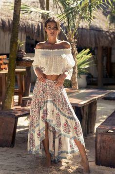 Affordable Boho Fashion Styles Ideas for Spring and Summer - . - Affordable Boho Fashion Styles Ideas for Spring and Summer – - Look Hippie Chic, Gypsy Style, Boho Gypsy, Hippie Boho, Hippie Chic Fashion, Bohemian Summer, Bohemian Chic Style, Hippie Masa, Hippie Style