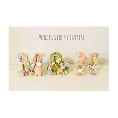 お花たっぷり「イニシャルフラワーオブジェ」で会場華やか! | marry[マリー] Wedding Name, Wedding Sets, Wedding Couples, Diy Wedding, Wedding Images, Wedding Designs, Wedding Welcome Board, Henna Night, Hipster Wedding